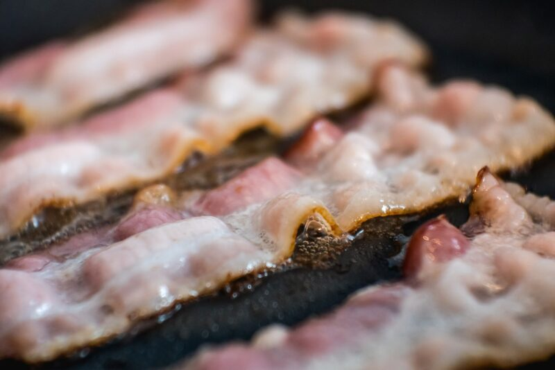 Step-by-step: how to cook bacon on a griddle perfectly