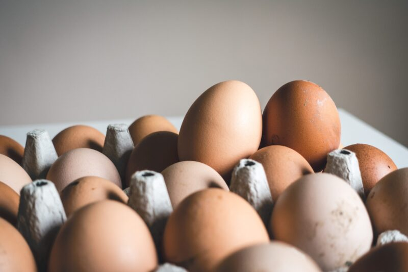 Cutting back oil on cooking is easier than ever. Don't miss these 5 recipes for cooking eggs without oil for healthier eating habit
