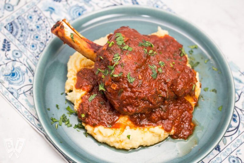 Best recipes for deliciously comforting flavorful lamb shanks in aromatic broth