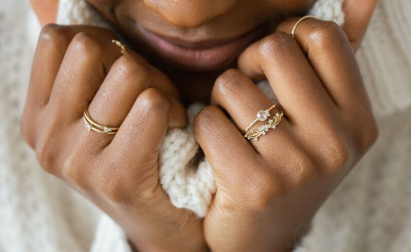 Minimalist engagement rings that make you unable to take your eyes off