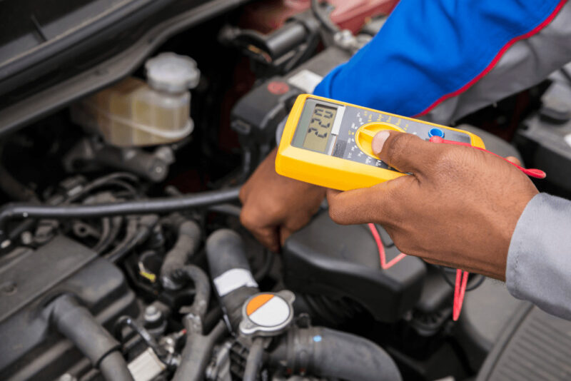 How to check for bad serpentine belt and bad alternator symptoms?