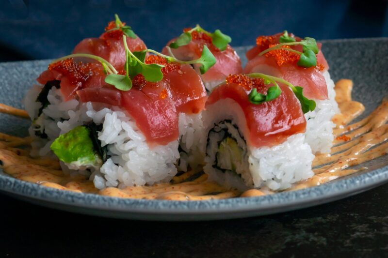 How long can sushi last in the fridge