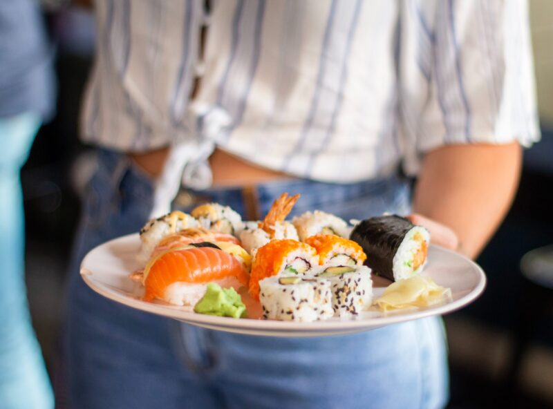 Is it safe to eat day old sushi