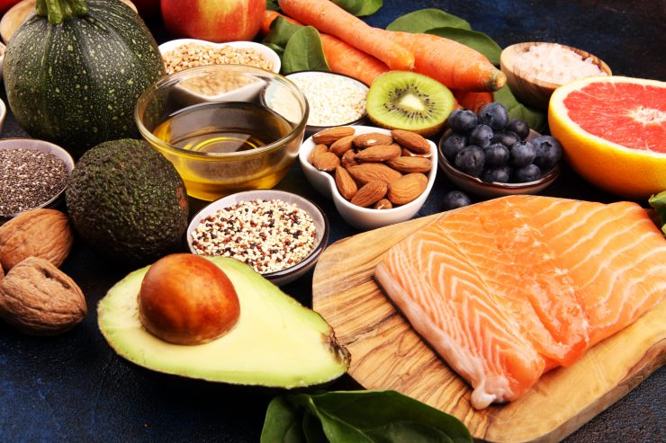 how to eat 200 grams of protein a day
