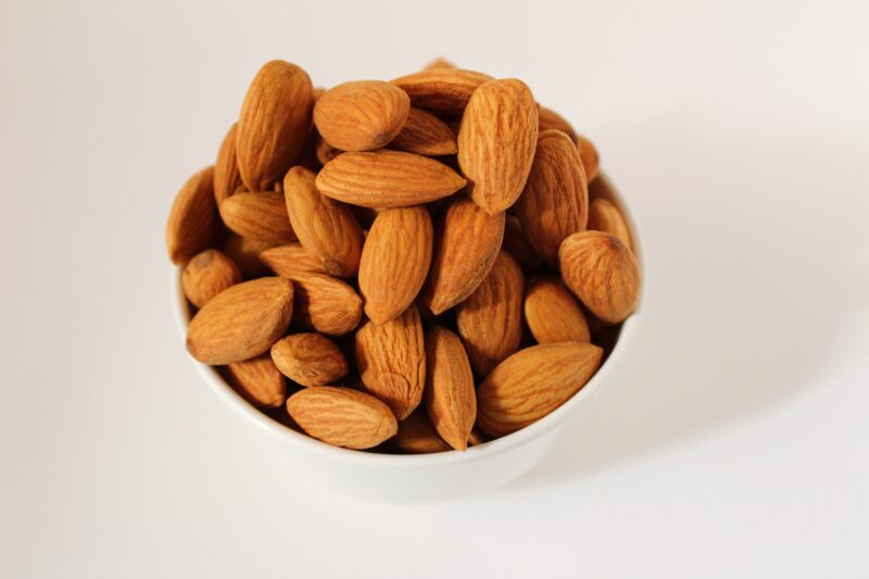 How many soaked almonds to eat a day in pregnancy