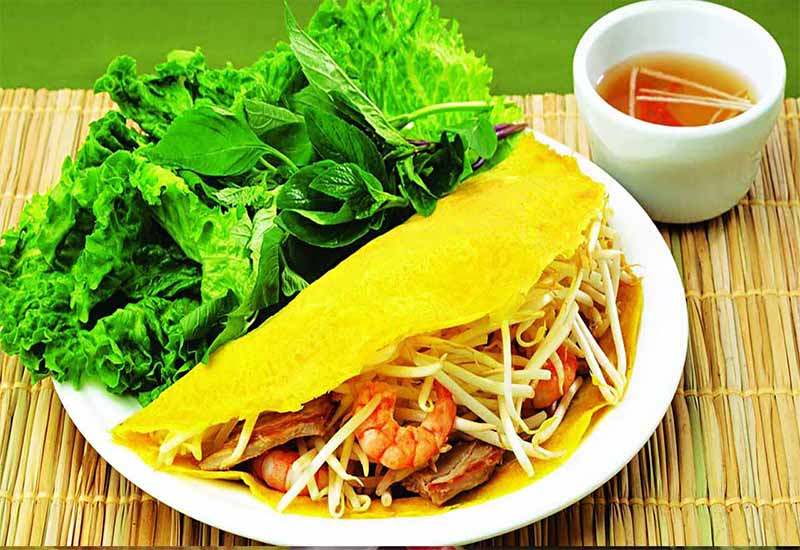 How to eat Banh Xeo