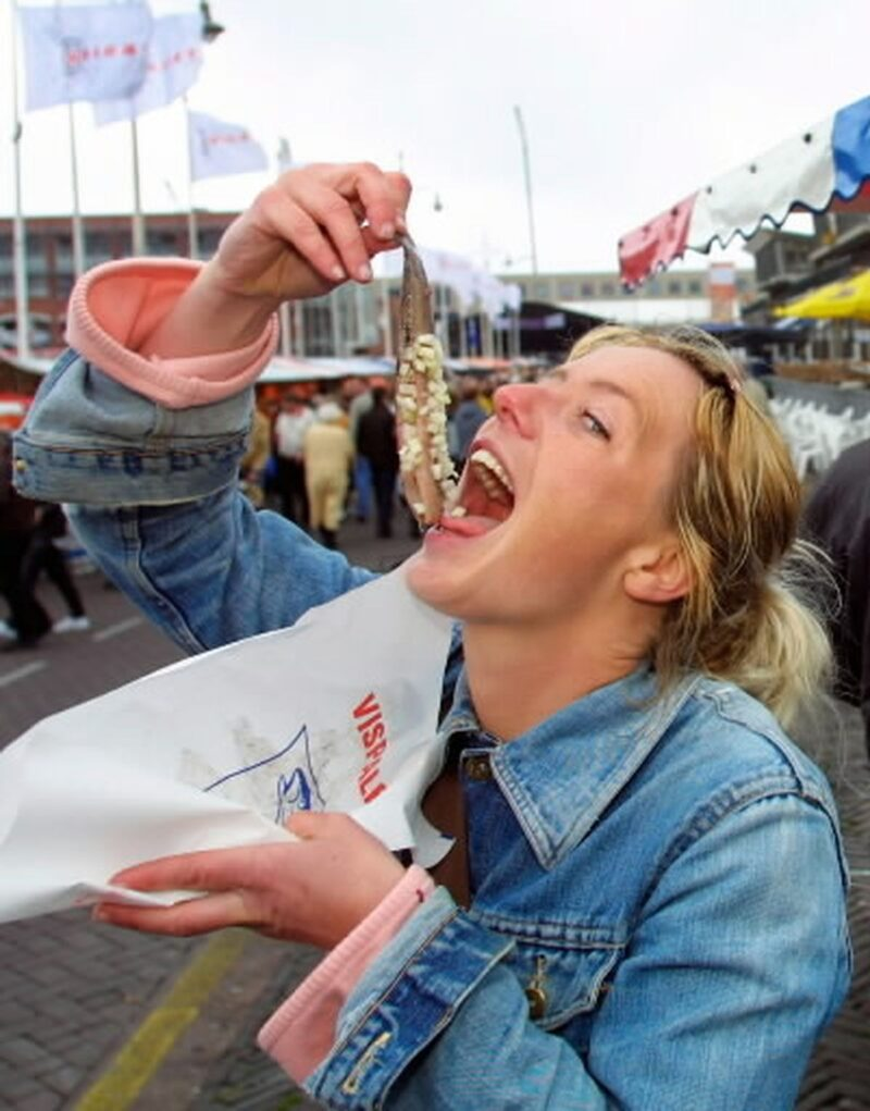 How to eat pickled herring?