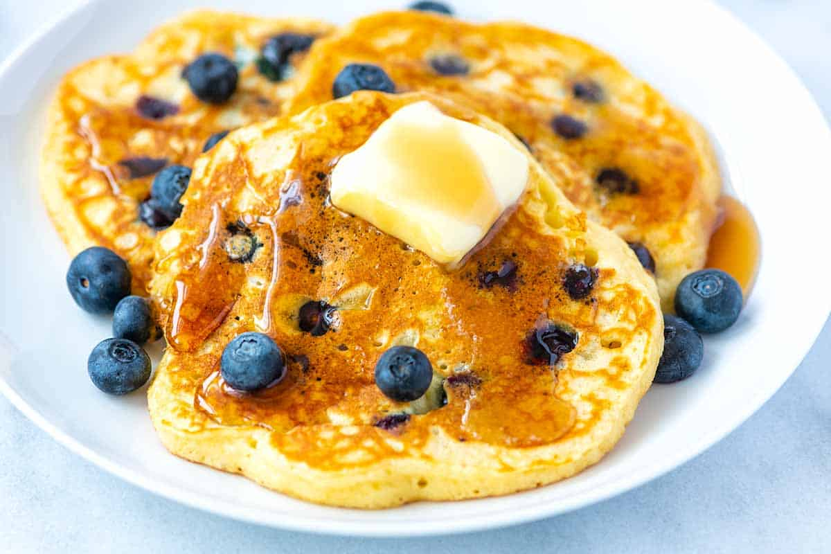 How to eat frozen fruit by making berry pancakes