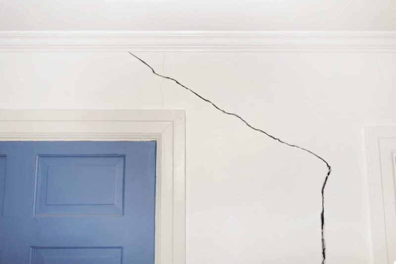 Effective steps to defeat recurred drywall cracks