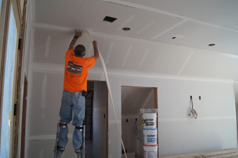 How to keep cracks in drywall from coming back
