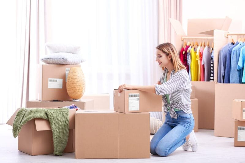 How to prevent clothes from yellowing in storage