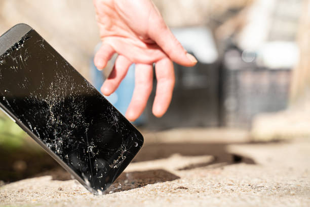 how to fix a cracked phone screen with toothpaste