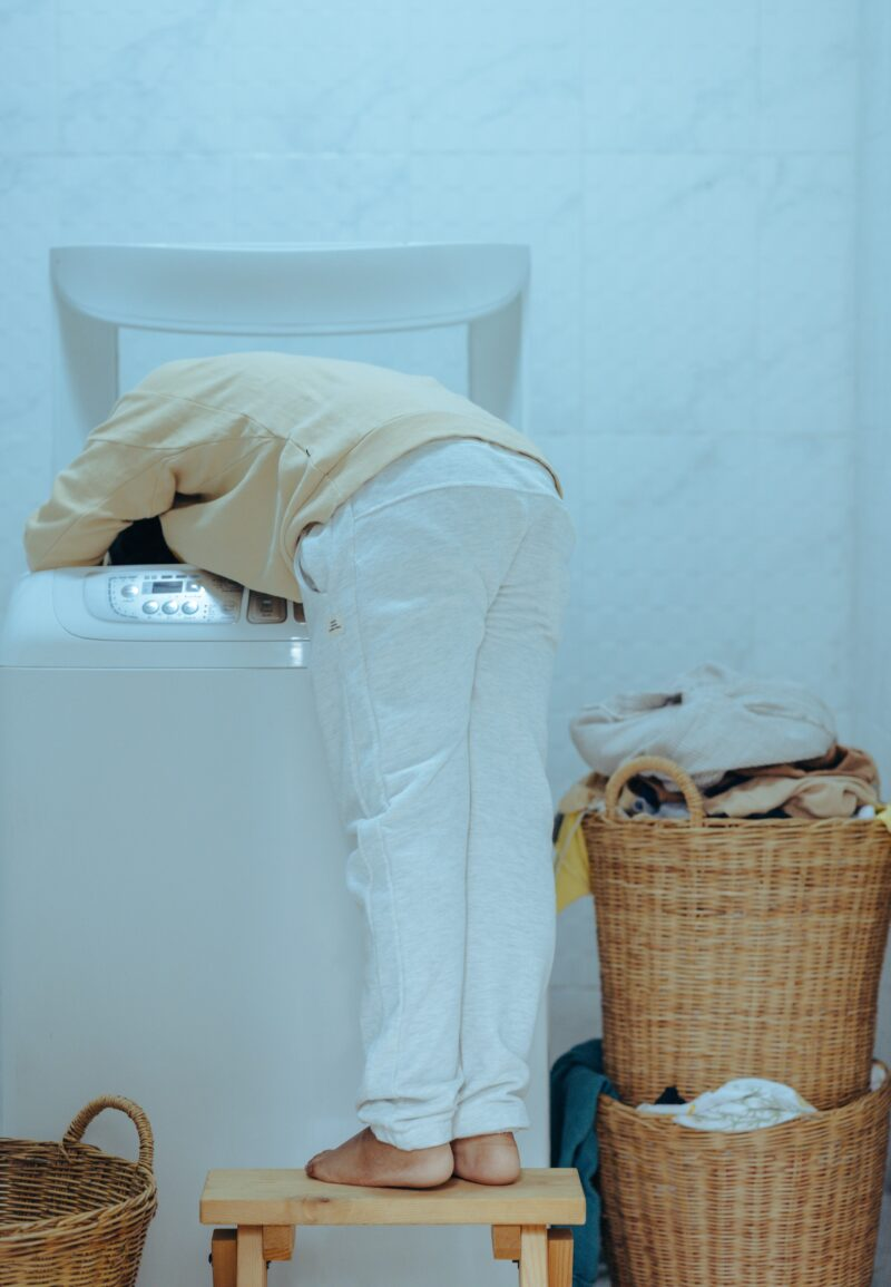 How to get detergent stains out of clothes