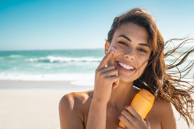The Right Way to Wear Sunscreen with Moisturizer for a Radiant Complexion