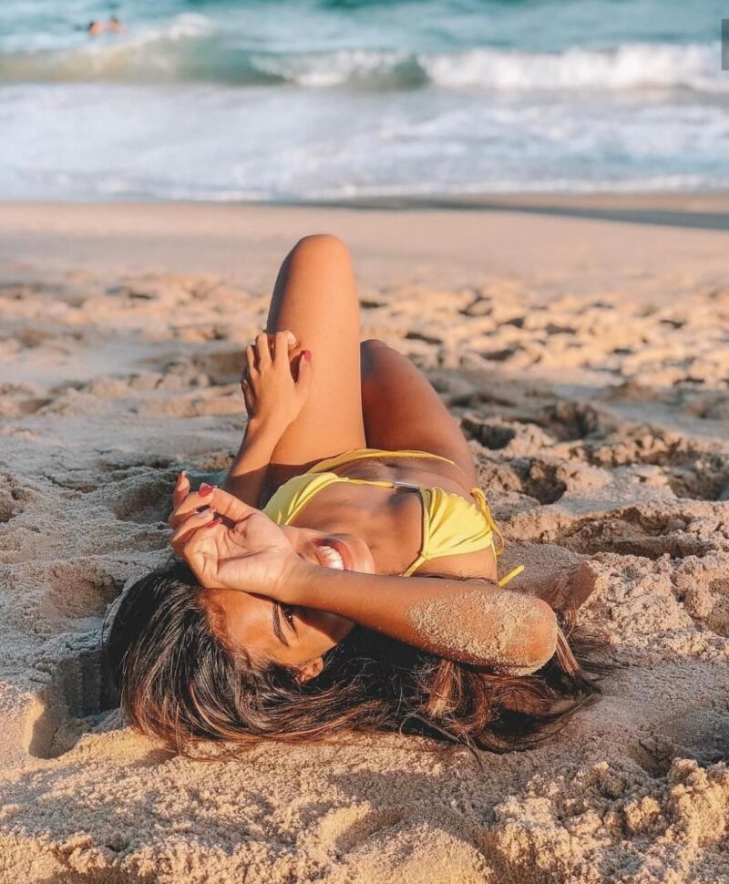 how to get sand out of hair