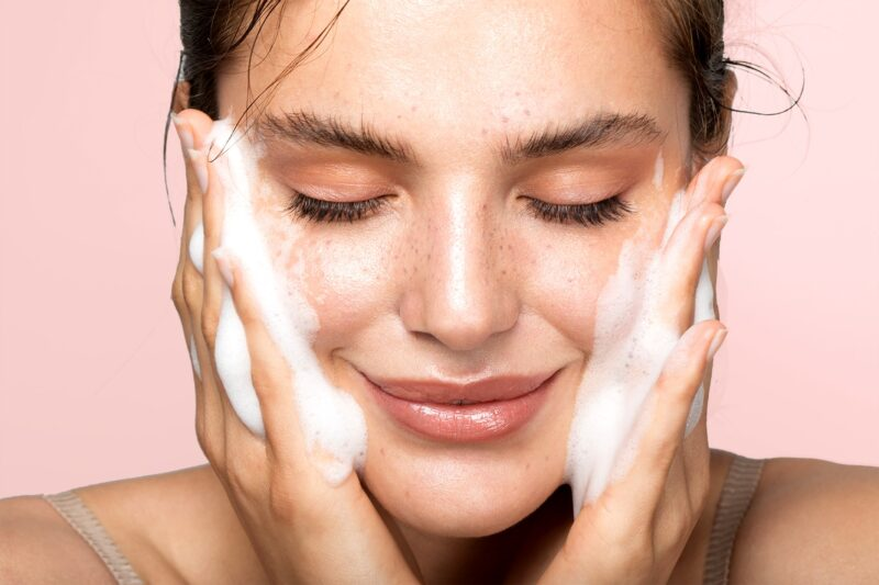 Knowing These pH-Balanced Cleansers Might Give You Better Skin
