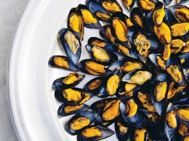 how to eat mussels