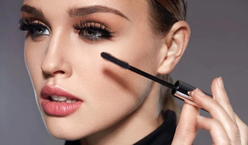 Beauty Hack: How to Keep Your Eyelashes Curled And Perky All Day