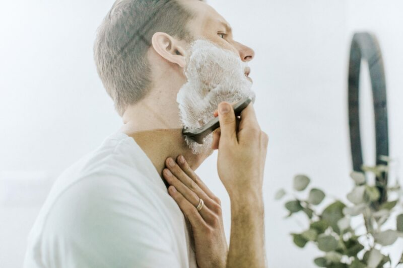 Apply These 3 Secret Methods to Improve the Way You Shave Without Making a Mess
