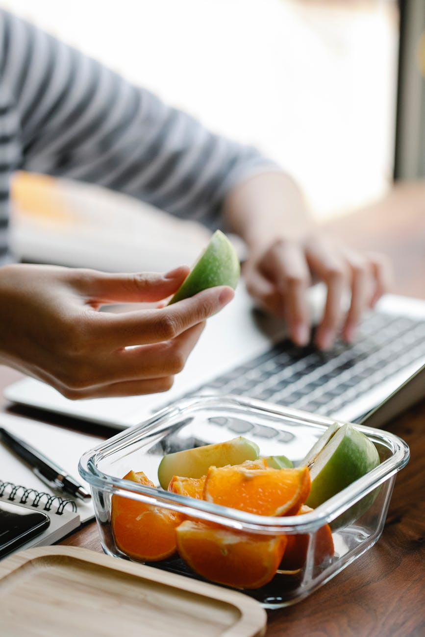 How to Stop Snacking at Work
