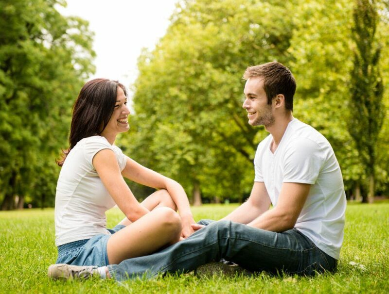3 Best Ways to Confess Your Love That Totally Touch Her Heart